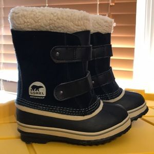 Sorel Waterproof Snow Boots Kids NWOT Velcro Black